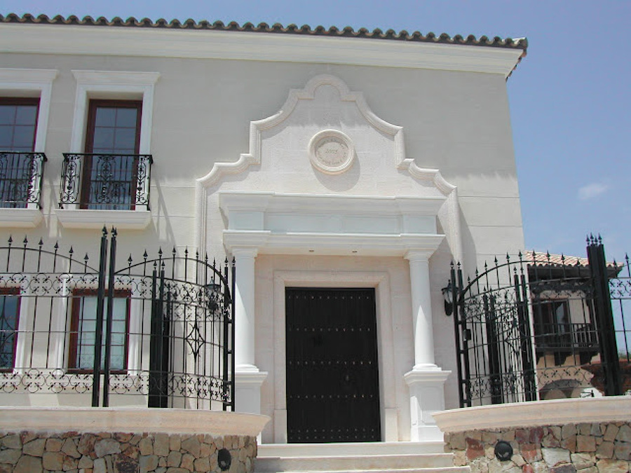 Las molduras para fachadas ideas reformas viviendas - Molduras para fachadas ...