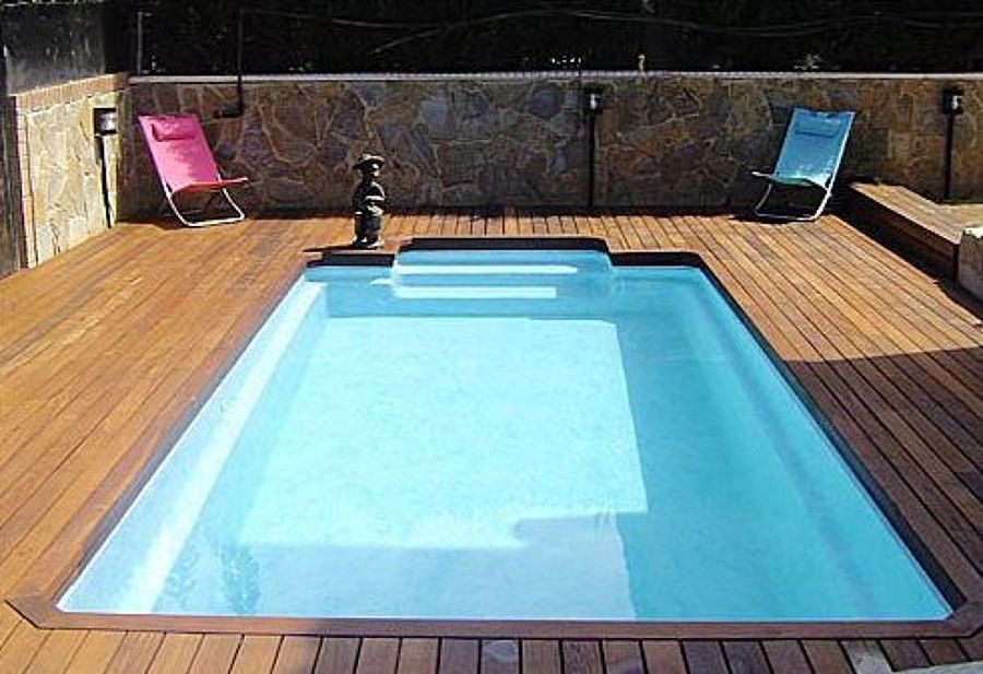 Piscinas prefabricadas de poli ster econ micas y m s for Cuanto cuesta instalar una piscina prefabricada