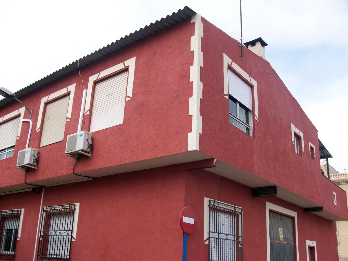 Foto monocapa color rojo y marfil de estucados javier - Pintura para fachada exterior ...