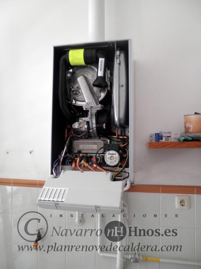 Montaje de Caldera Vaillant modelo EcoTEC VMW 236 II en Valencia