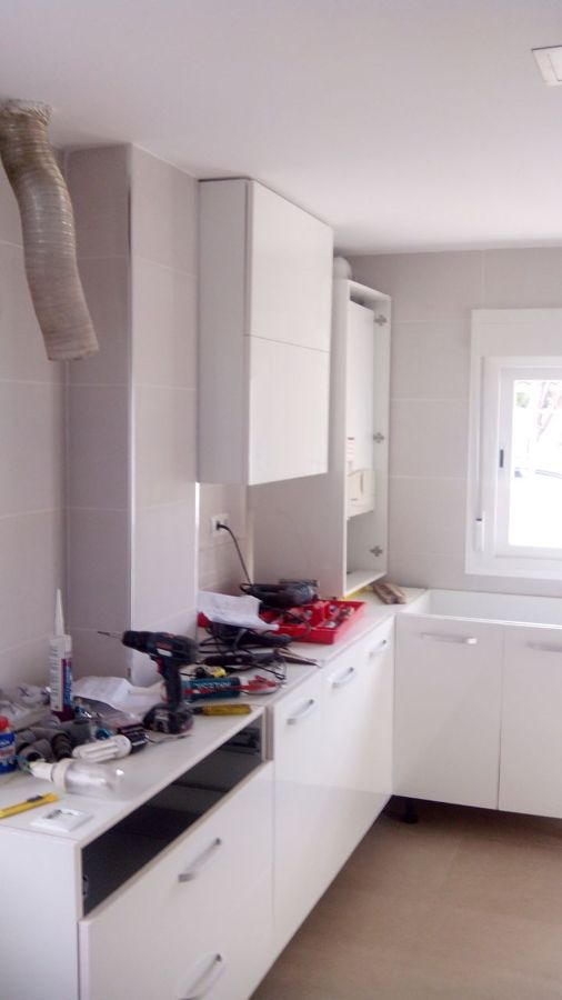 Reforma cocina completa ideas decoradores - Montaje de cocina ...
