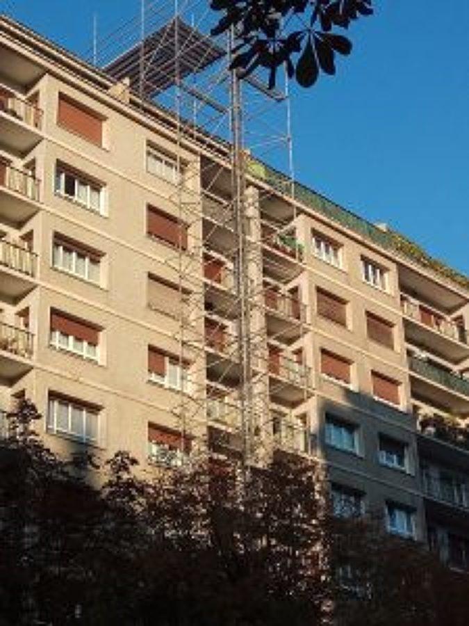 montaje de torre auxiliar de montacargas