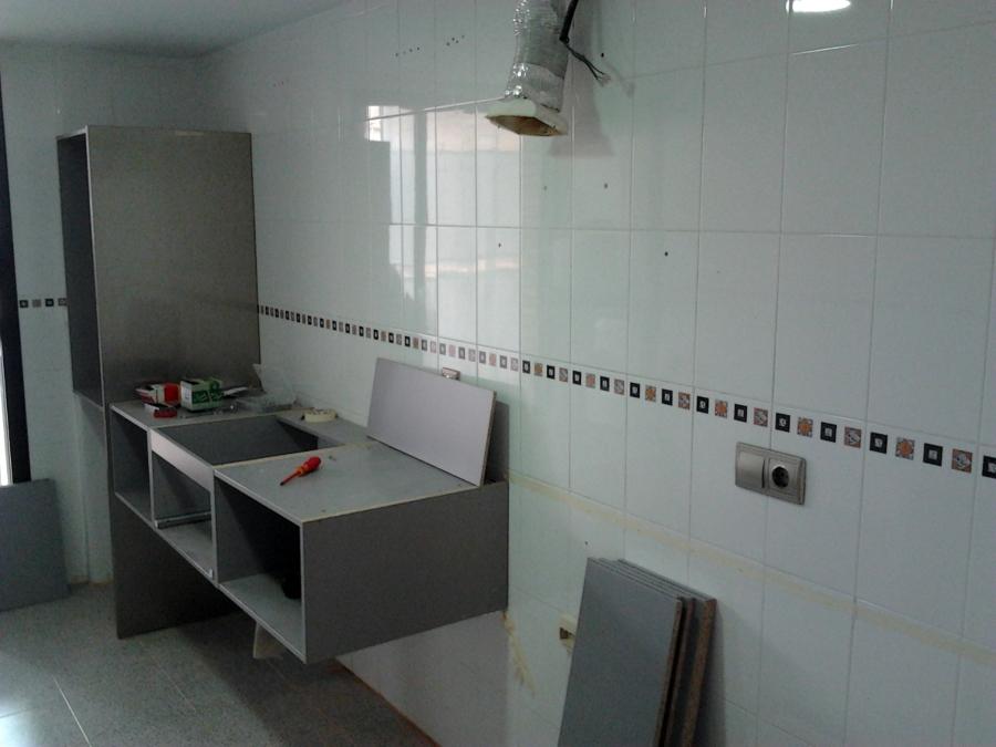 foto montaje muebles de cocina 12 de vertegar xxi s l