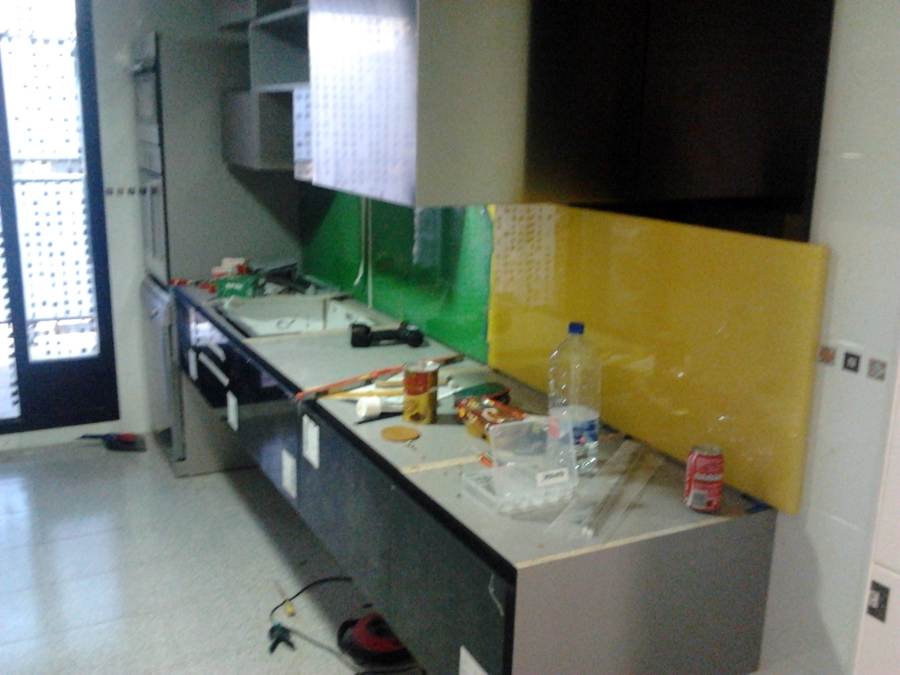 Instalaci n mobiliario de cocina dise ado por los clientes - Montaje de cocina ...