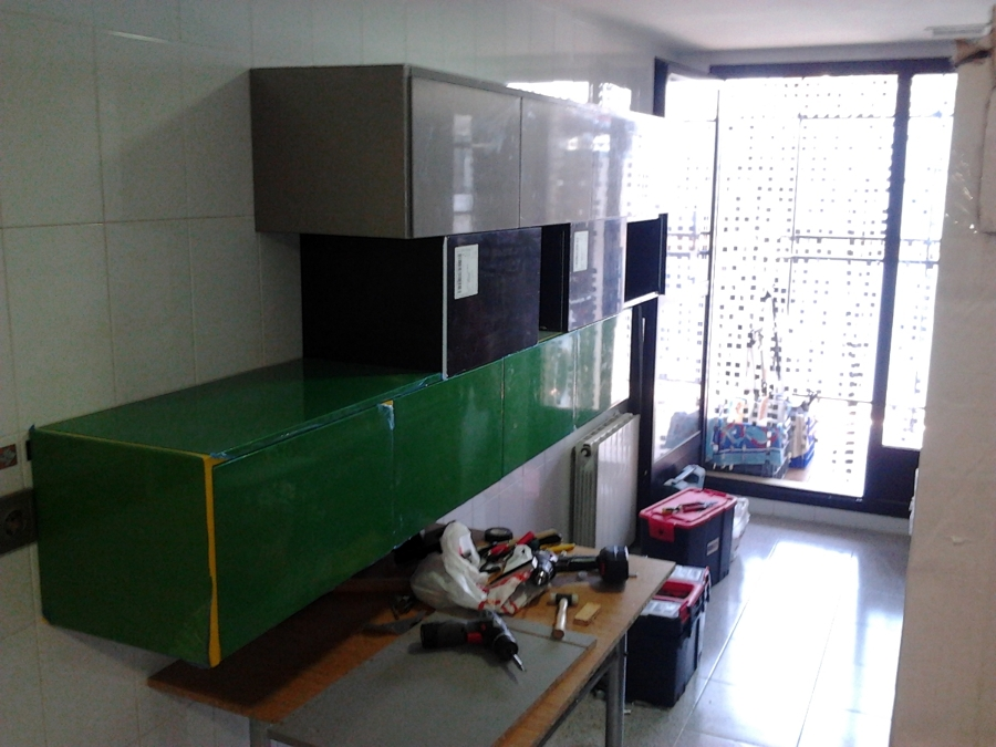 Foto montaje muebles de cocina 2 de vertegar xxi s l - Montaje de cocina ...
