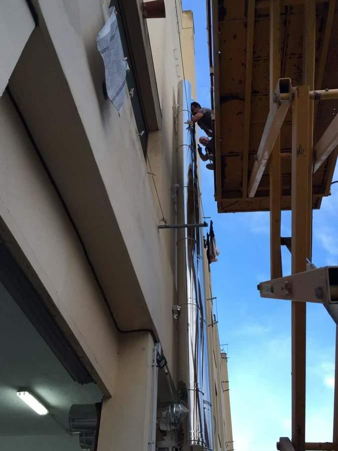 Montaje salida de humos con Tejera elevadora ( Anima Ibiza )