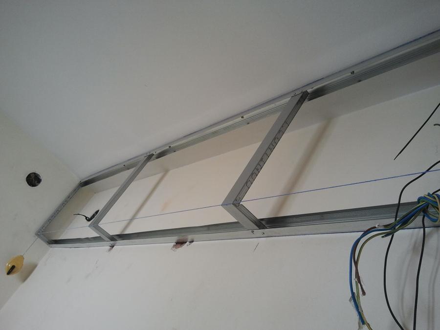 Foto montando cajones de pladur de lampistaexpres 642324 habitissimo - Como colocar pladur en techo ...