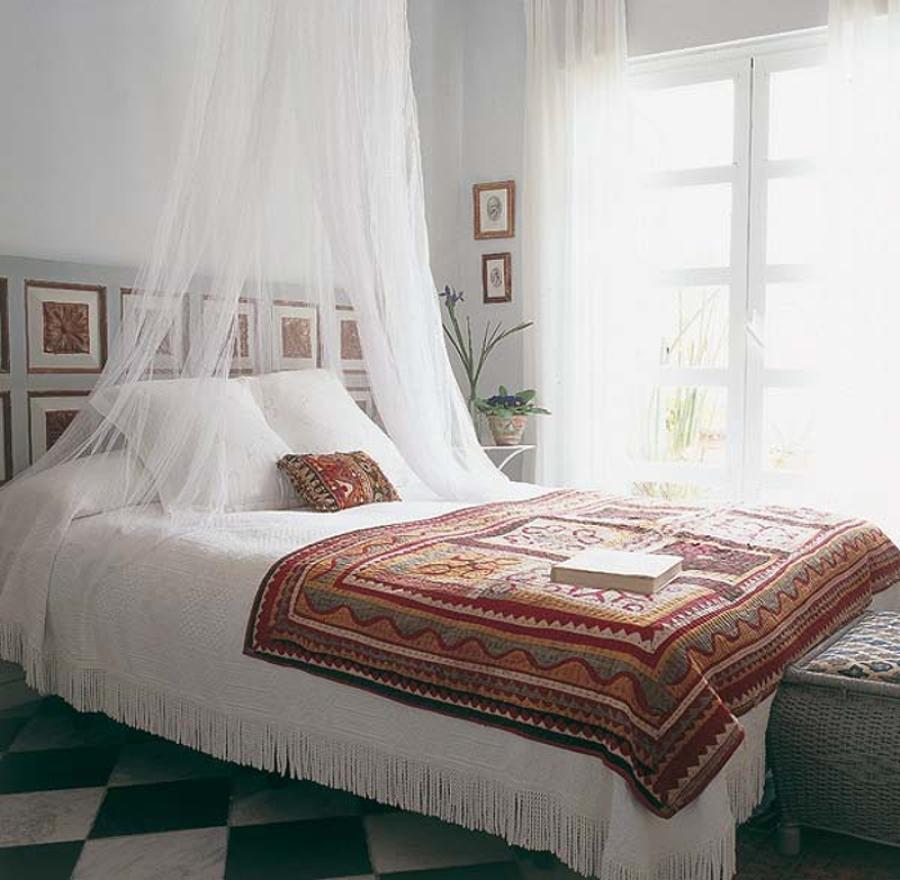 Mosquiteras para dormir bien y despertarse mejor ideas for Mosquiteras para camas