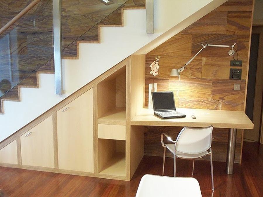 C mo aprovechar el hueco de la escalera ideas for Mueble de escalera