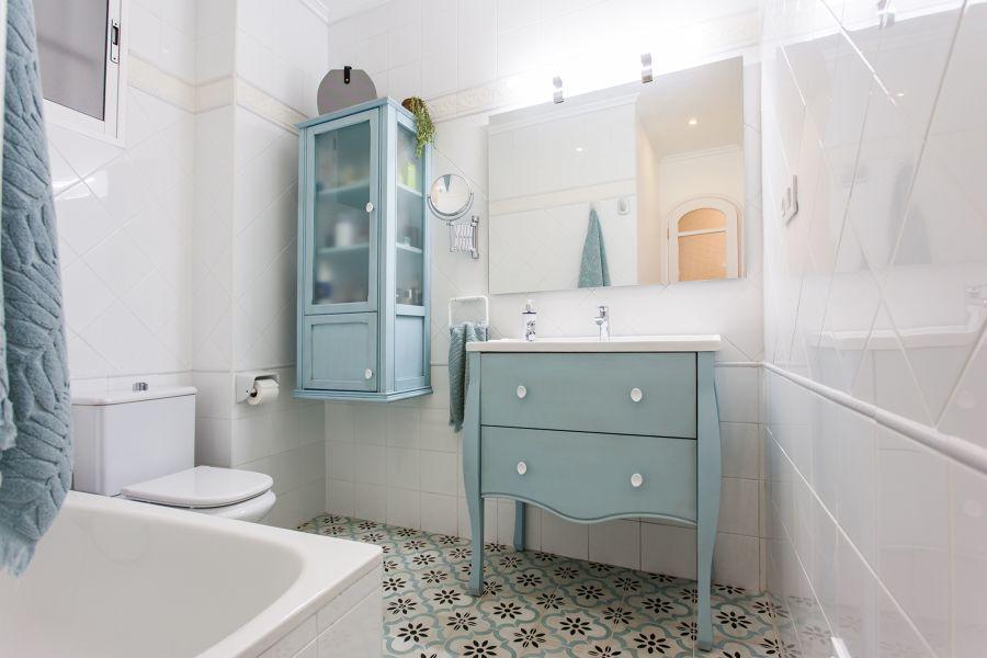 mueble baño antiguo