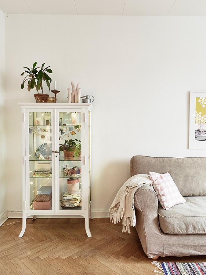 De la enfermer a a tu hogar vitrinas y muebles de - Como decorar una vitrina ...