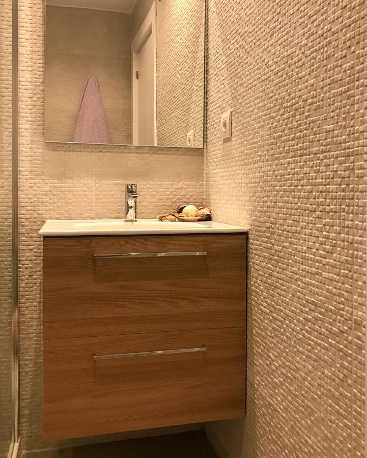 Mueble de 60 cm en laminado color roble