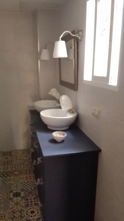 Mueble de Baño con Espejo y Apliques