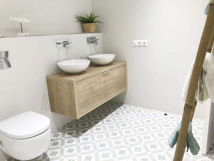 Mueble de baño volado