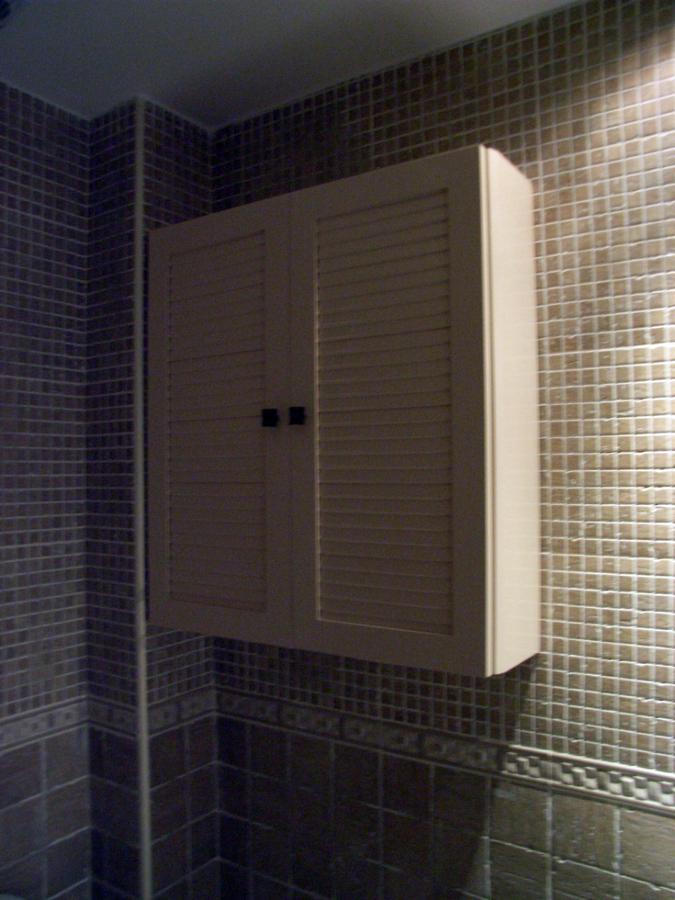 Foto mueble de colgar con puertas en persiana de muebles de ba o jara 282209 habitissimo - Muebles de bano para colgar ...