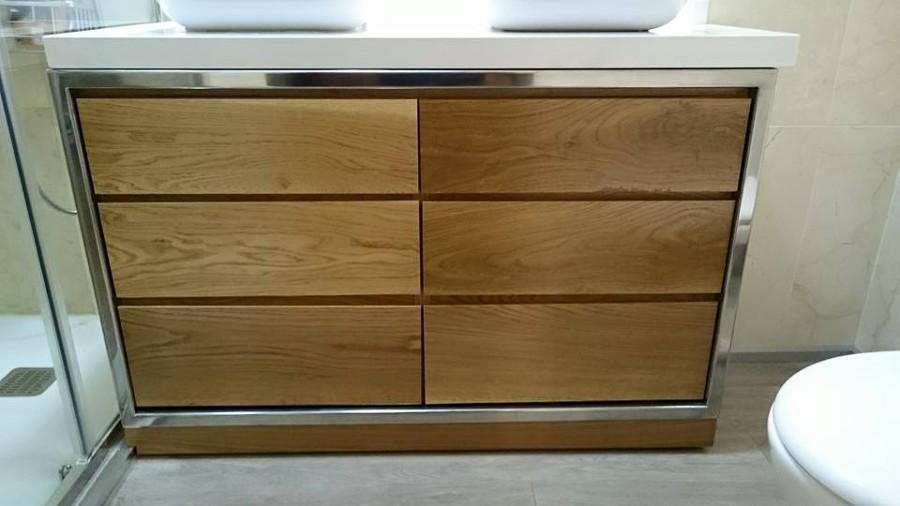 mueble de diseo para cuarto de bao en roble y aluminio