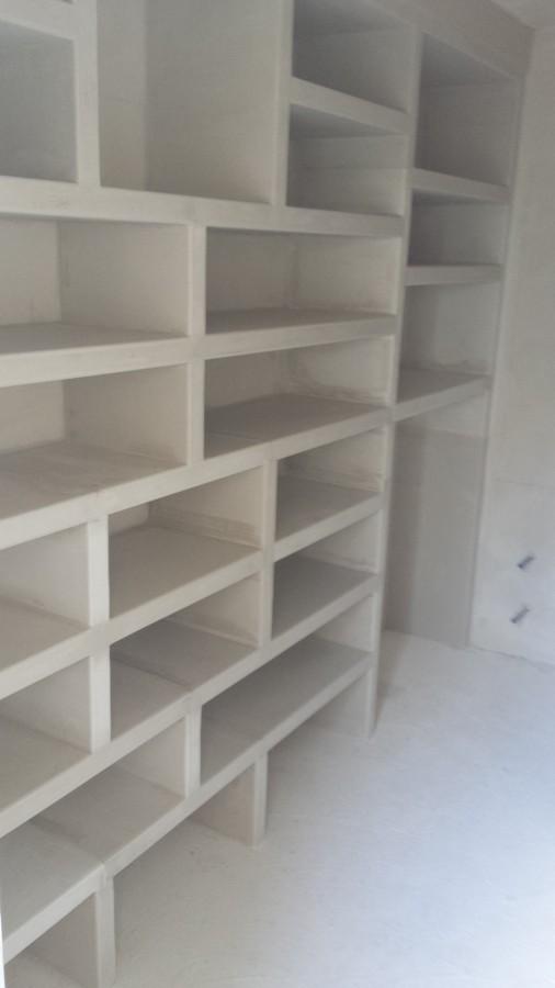 Foto mueble de vestidor a medida en escayola de yesos y - Mueble de escayola ...