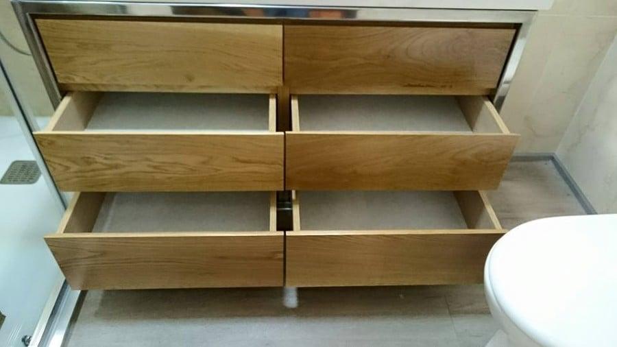 Mueble para cuarto de ba o a medida realizado en madera de for Armarios de cuarto de bano baratos