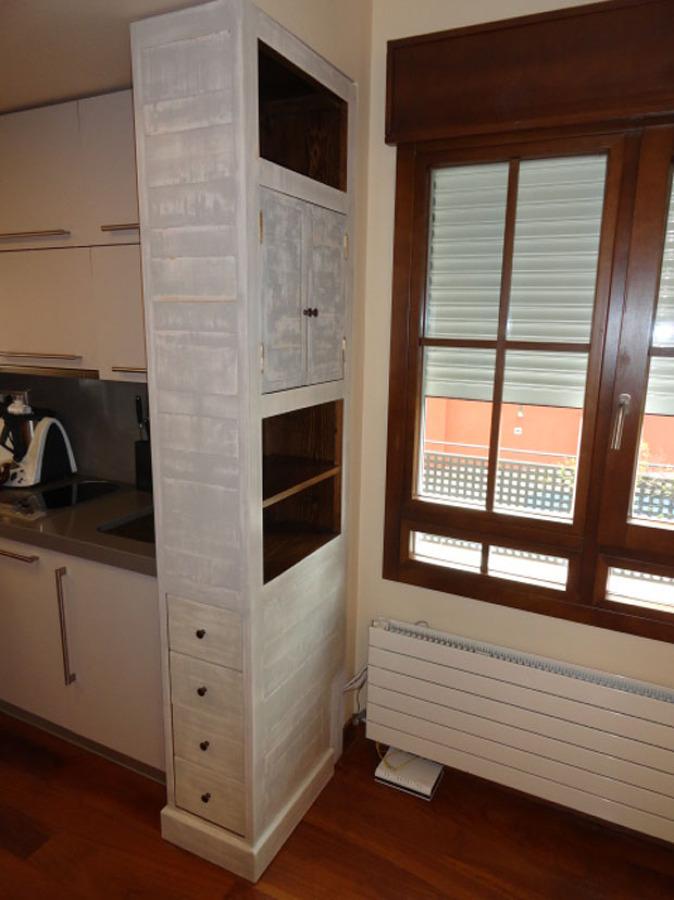Cocinas y barras ideas armarios for Mueble separador de ambientes