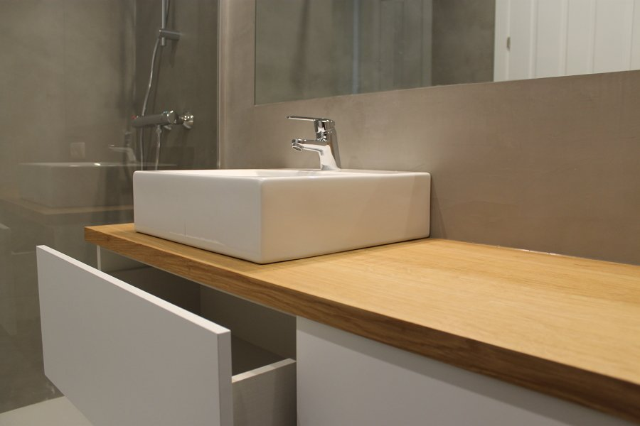 Muebles De Baño Color Roble Claro : Un ba?o con microcemento y encimera de roble ideas