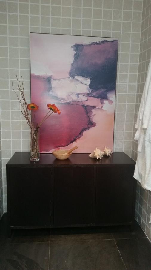 Mueble toallero en madera de wengue hecho a medida