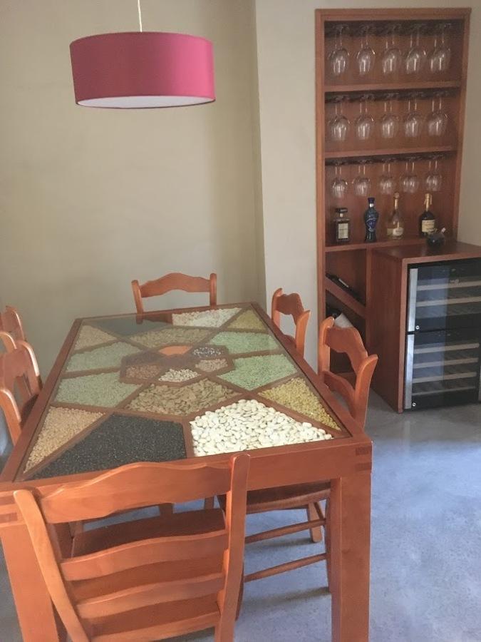 Foto mueble y mesa cocina de carpinteria y muebles la for Mueble mesa cocina