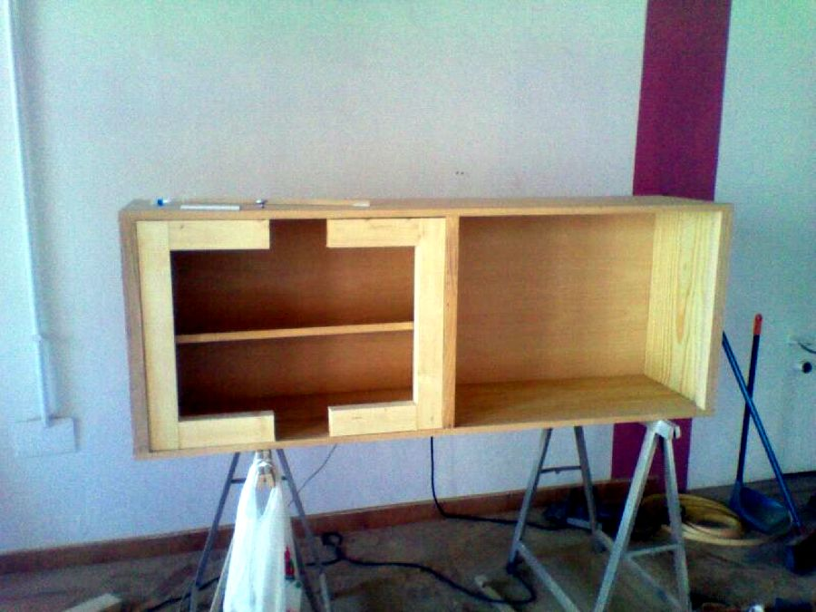 Mueble de sal n en proceso ideas muebles for Muebles de oficina iman