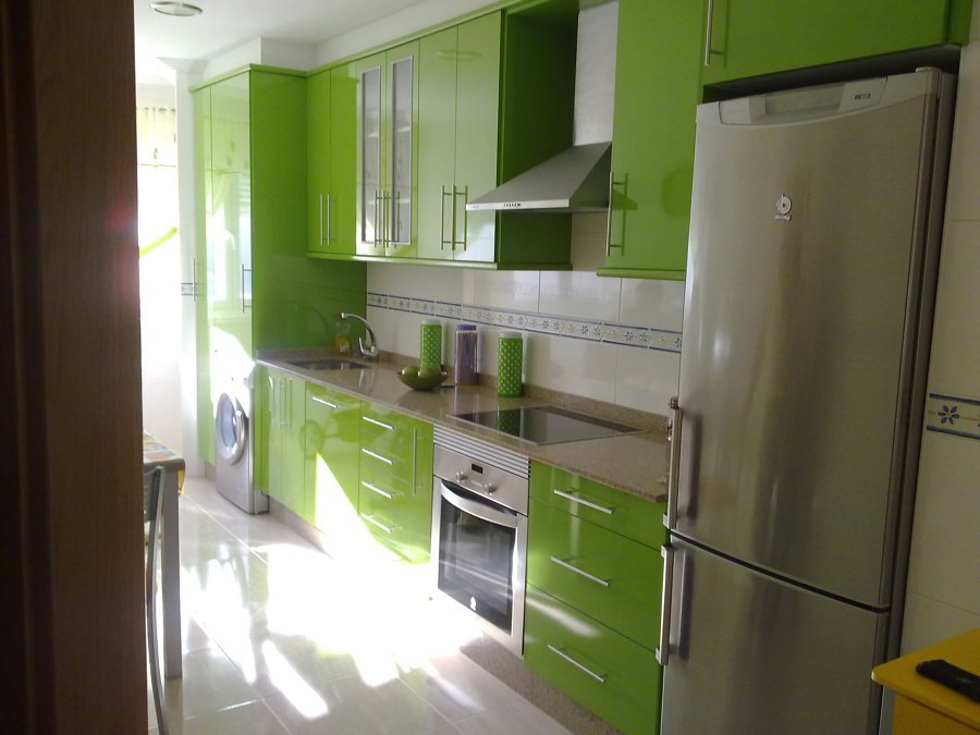 Trabajos variados ideas carpinteros for Muebles de cocina modernos precios