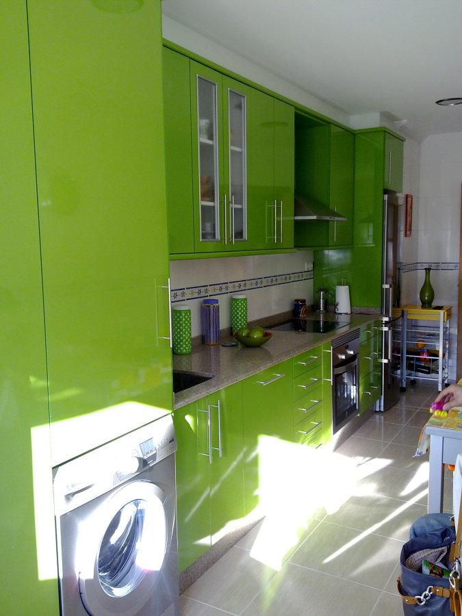 Foto muebles cocina en formica muebles brillo de for Muebles de cocina zamora