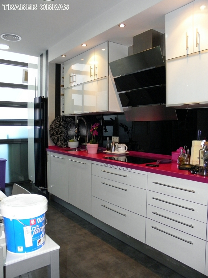 Foto muebles de cocina por traber obras sl de traber for Muebles de cocina huesca