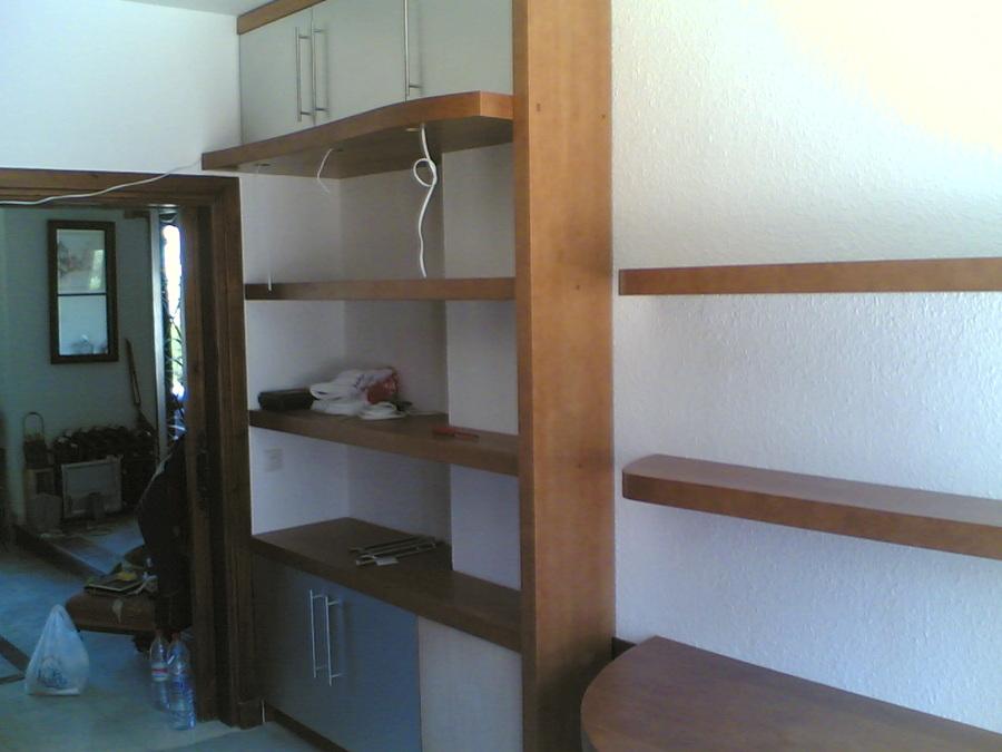 Foto Muebles de Estudio Estantería con Acople a Pilar de
