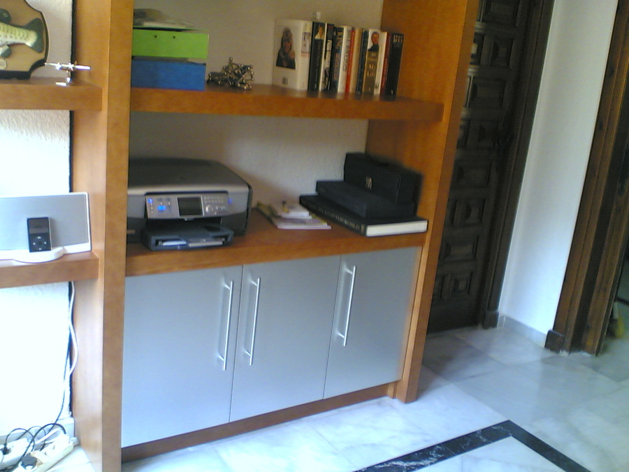 Muebles de estudio. Parte inferior y puerta de paso.