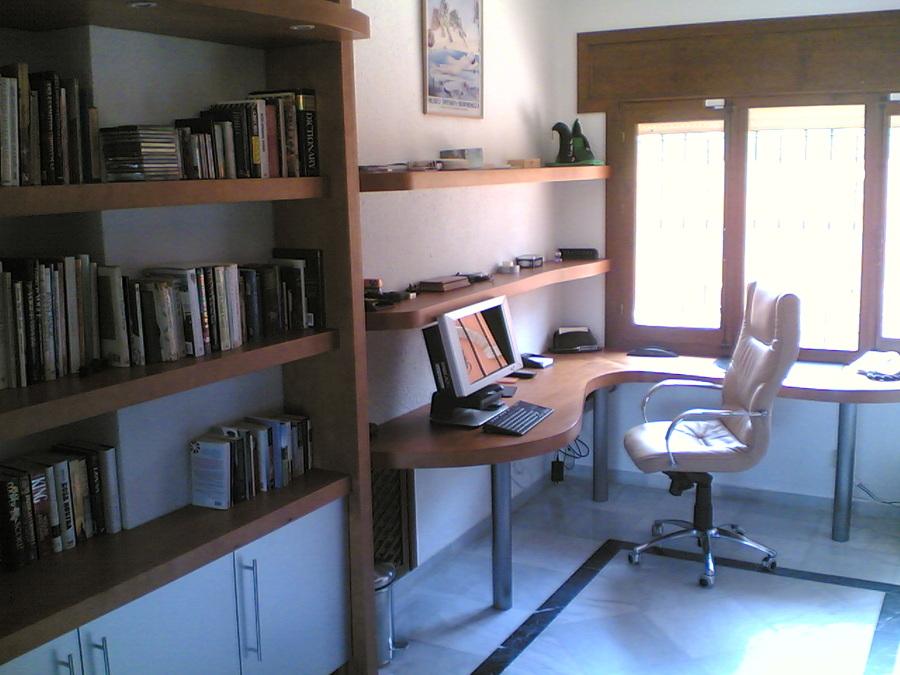 Muebles de estudio. Vista general.