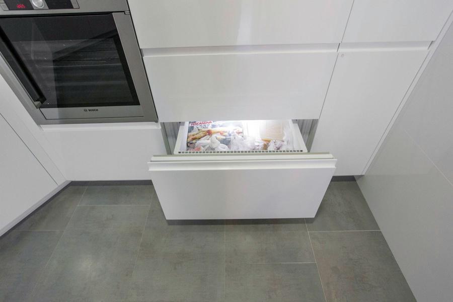 Foto muebles lacados blanco brillo de muebles de cocina - Muebles lacados en blanco brillo ...