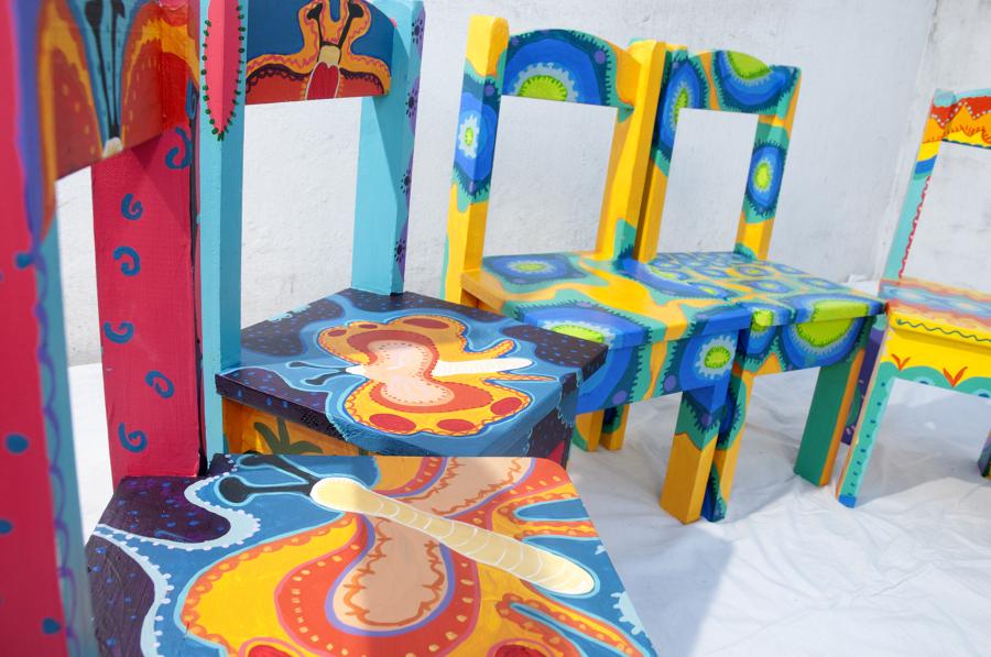 Viva el color renueva tus muebles con un poco de pintura ideas decoradores - Muebles pintados de colores ...