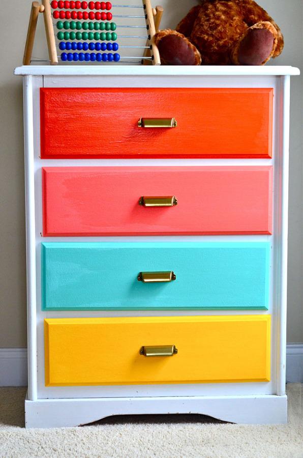 viva el color renueva tus muebles con un poco de pintura