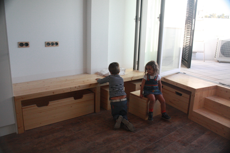 Foto muebles de arquitectura sostenible sergio ram rez for Piscina ramirez granada