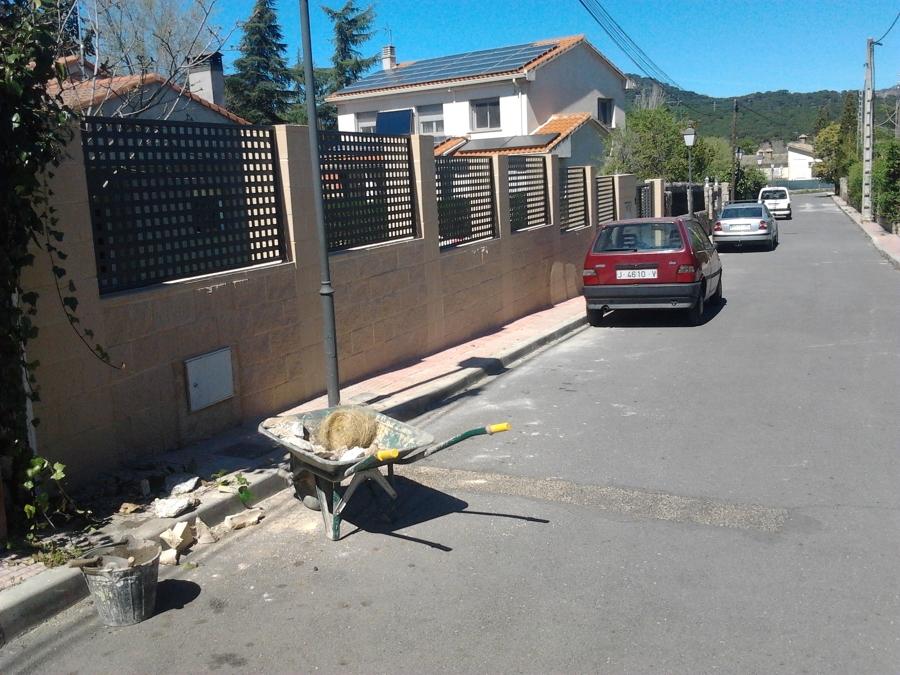 Foto muro de bloques hormig n de reforma completa 1177724 habitissimo - Muros de hormigon ...