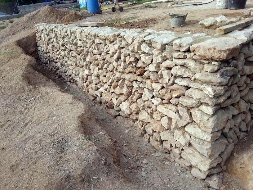 Muro piedra seca ideas alba iles - Muros de piedra ...