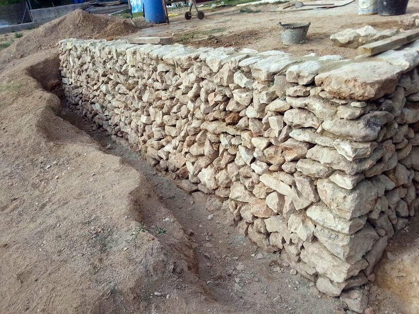 Muro piedra seca ideas alba iles - Tipos de muros de piedra ...