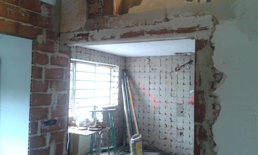 Muro derribado de cocina y adecuación de paramentos.