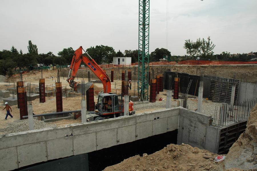 Muros contención, pilares hormigón