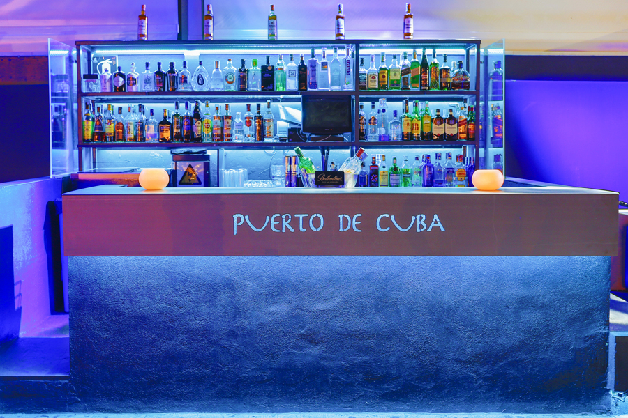 foto bar avila noche: