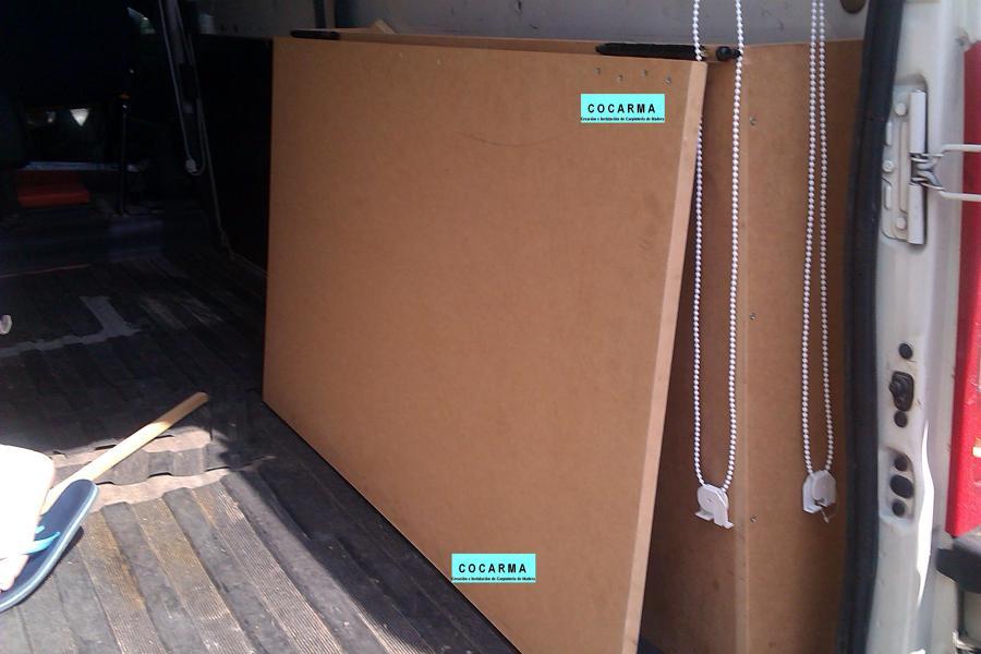 Foto furgoneta con cama plegable de cocarma colocaci n de carpinter a de madera 482990 - Hacer una cama abatible ...