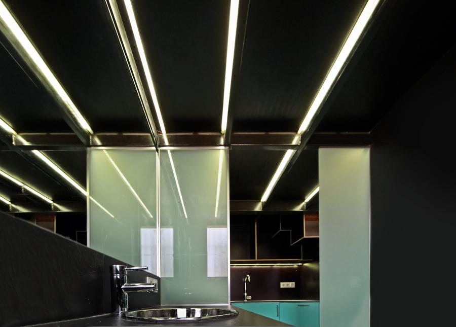 Baño. Detalle de iluminación led en tiras