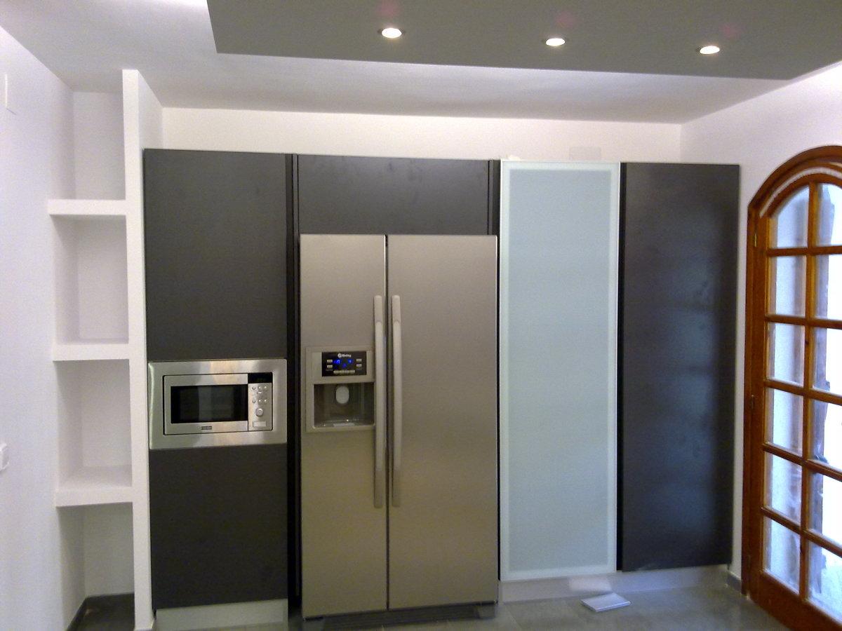 Foto nevera americana de escudero disseny el vendrell - Cocinas con frigorifico americano ...
