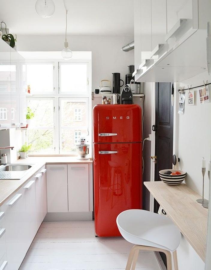 Perfecto Cocinas Blancas Y Rojas Ilustración - Ideas de Decoración ...