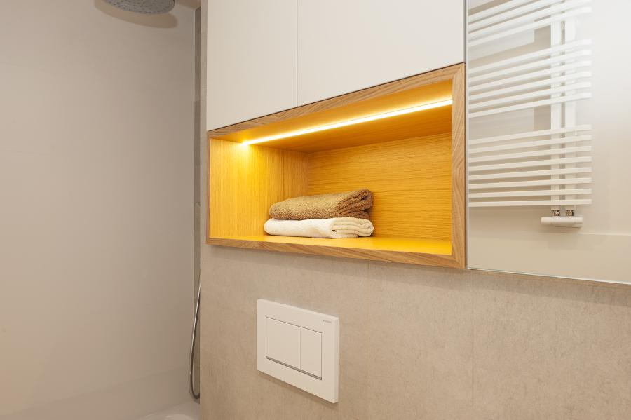 Nicho y radiador para toallas