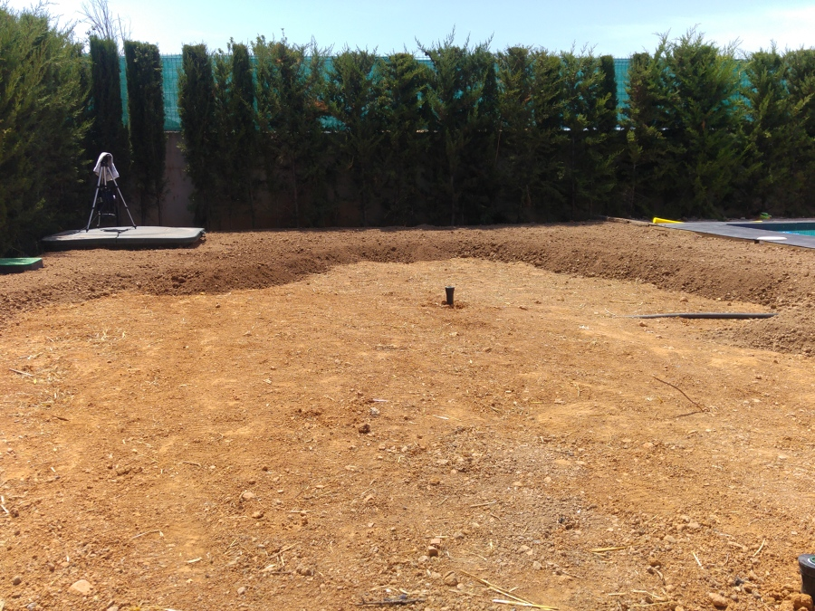 nivaelación de terreno para posterior plantación
