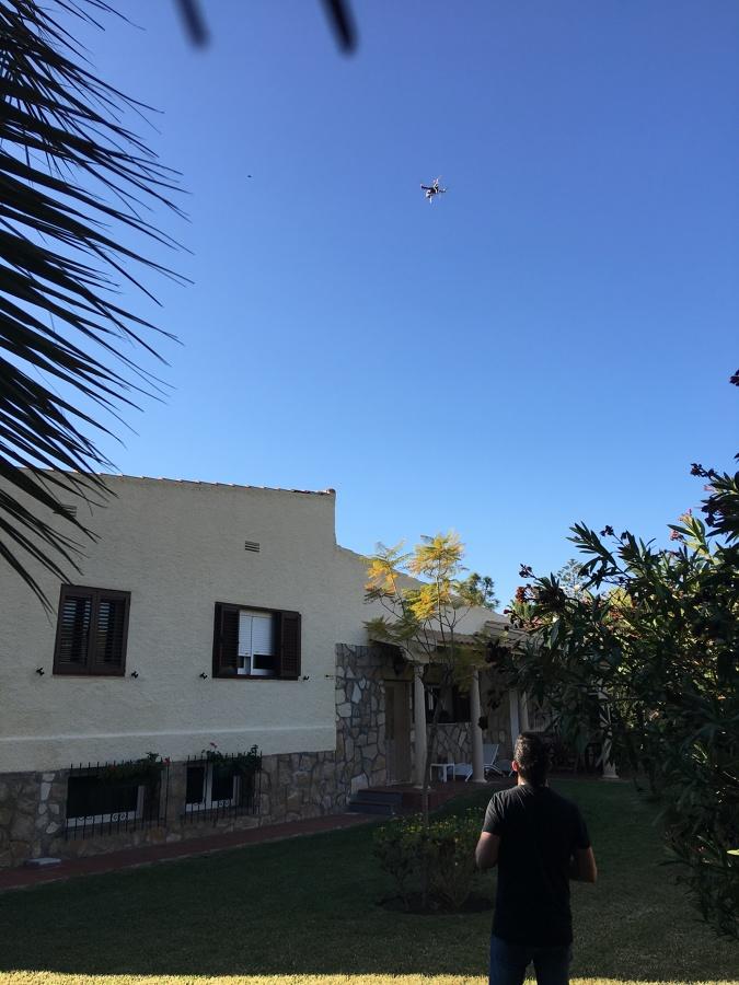 Nuestro DRON buscando...